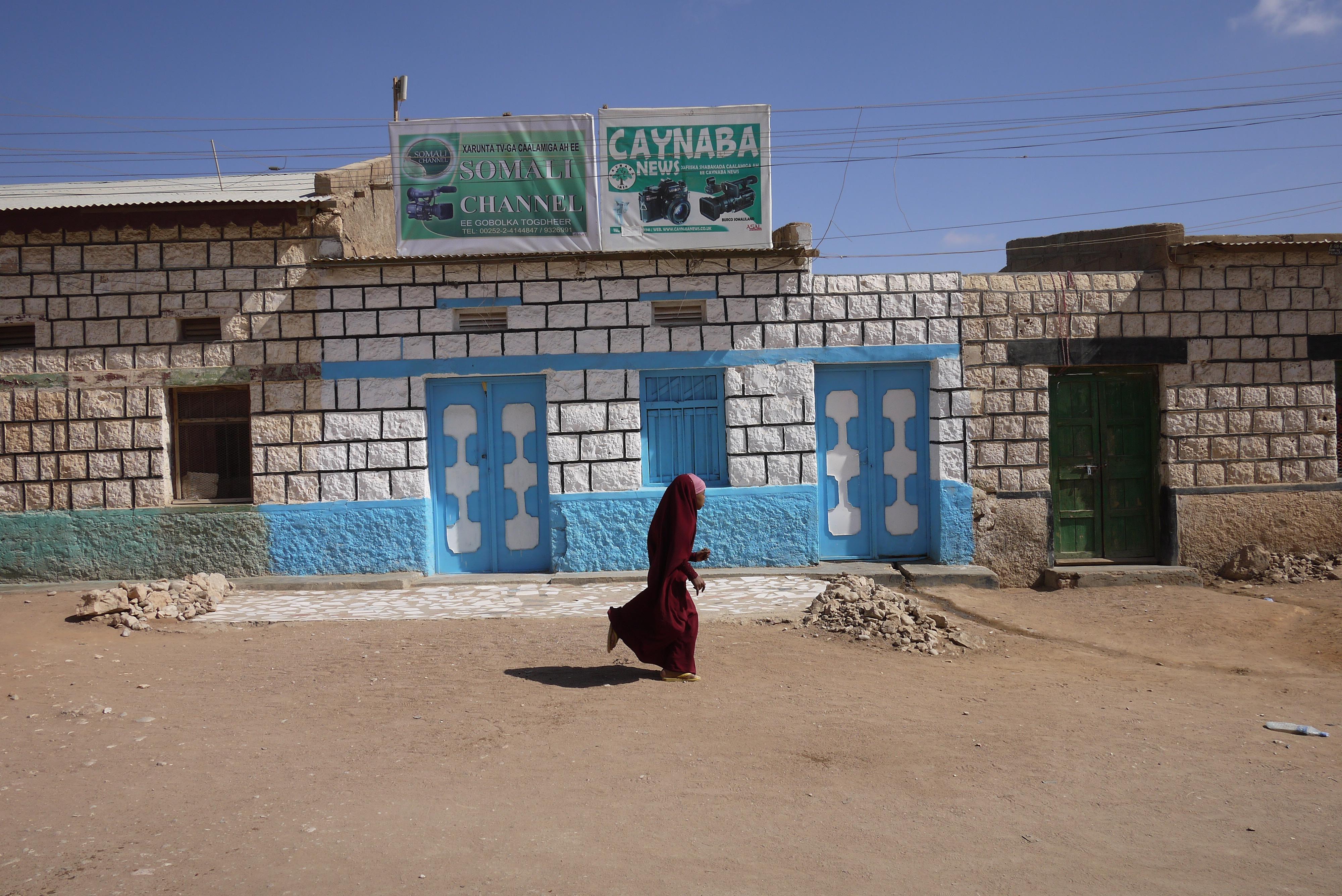Girl runs in Burco, Somaliland